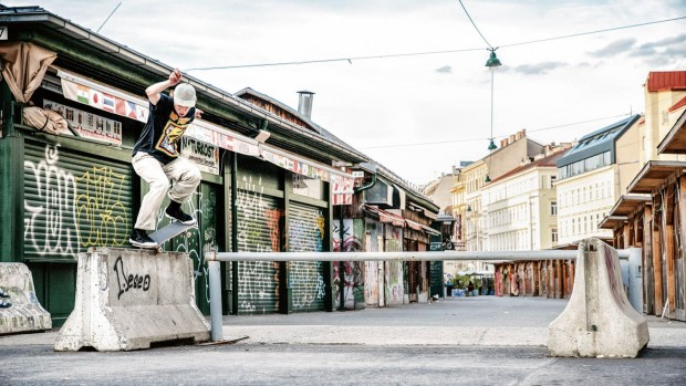 SIMO_MAKELA_OLLIE_OVER_BS_NOSEGRIND_VIENNA