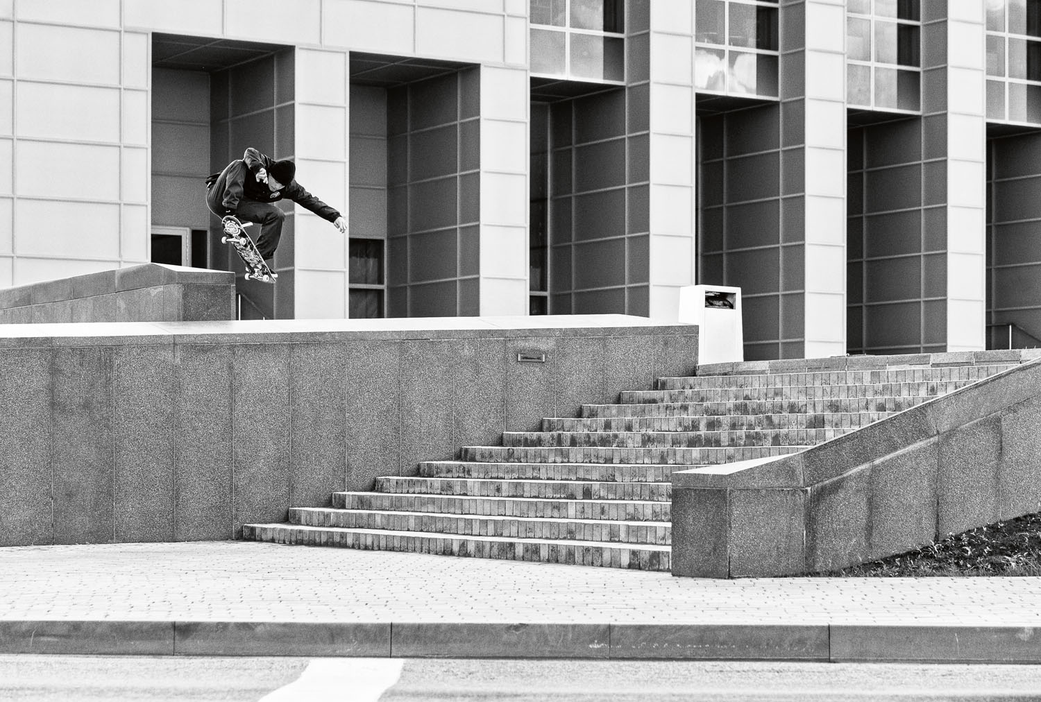 Karsten_Kleppan_Wallie_From_Behind_NotSharpened_AdobeRGB_3065_B&W