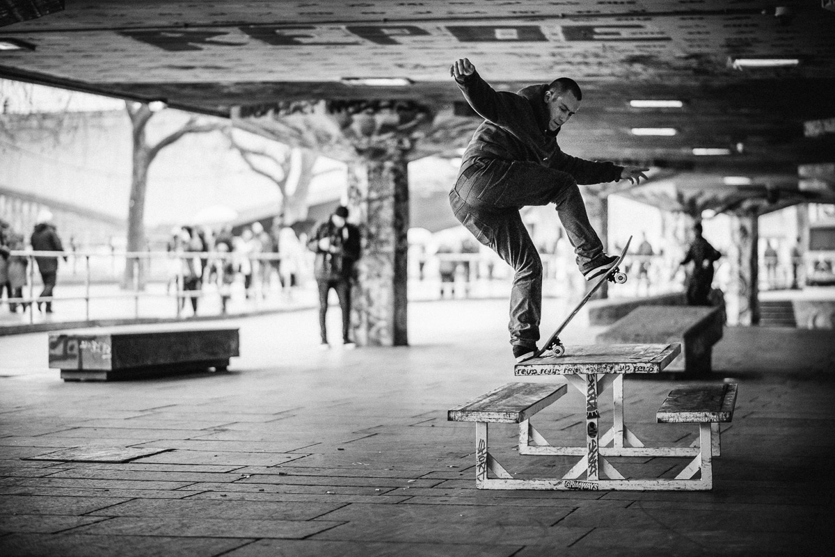 Frontside bluntslide at Southbank. Ph. Sam Ashley