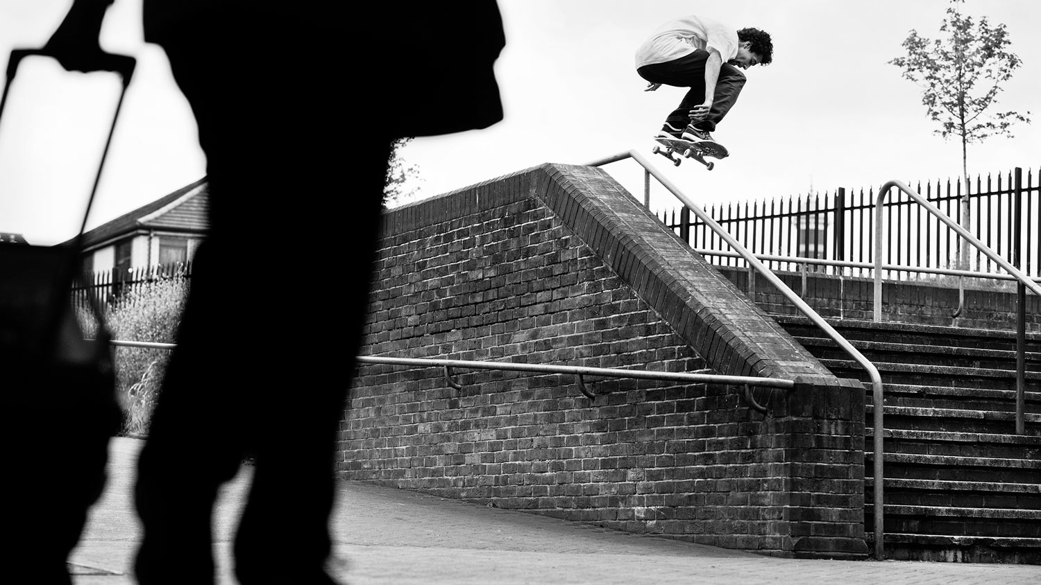 Feat-TYRONE_OHANRAHAN_ALLEYOOP_BACKSIDE_180_GREY_HENRY_KINGSFORD_FINAL