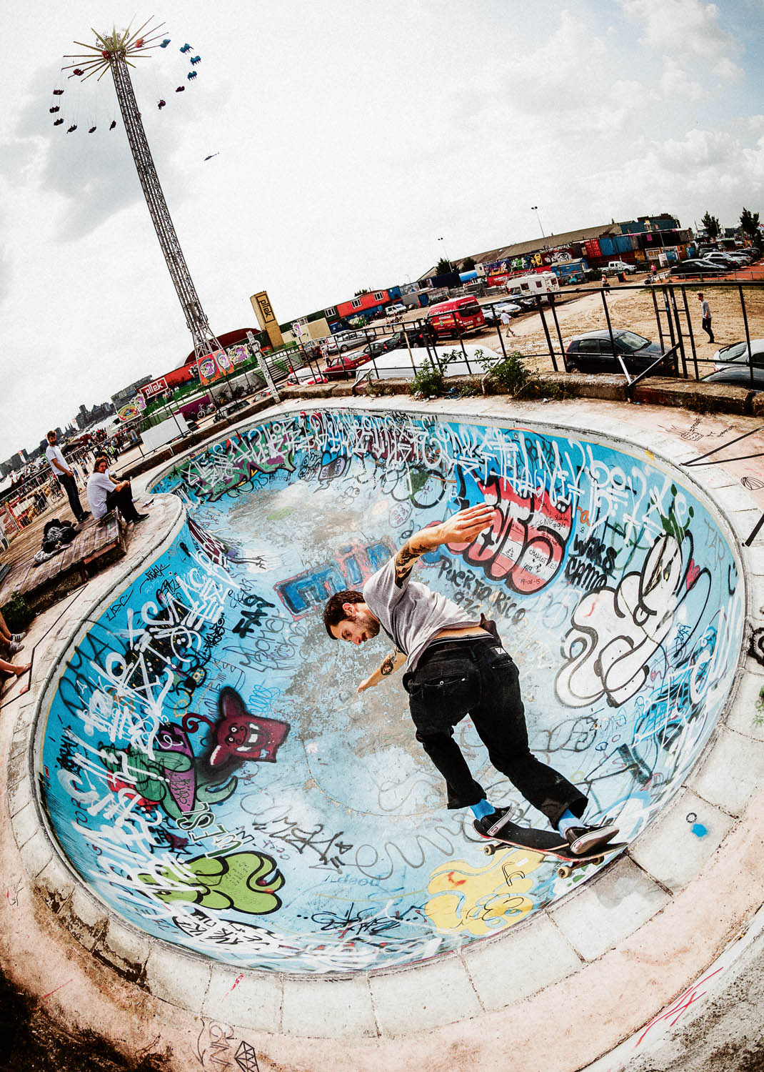 igor-fardin-backside-tailslide-over-deathbox-pool-amsterdam