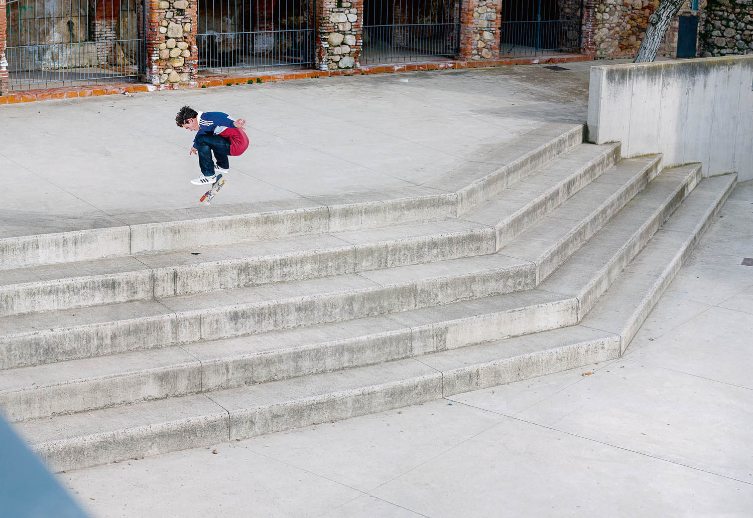 POL CATENA fakie flip huge 5 blocks BO
